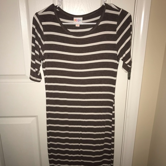 LuLaRoe Dresses & Skirts - Julia dress